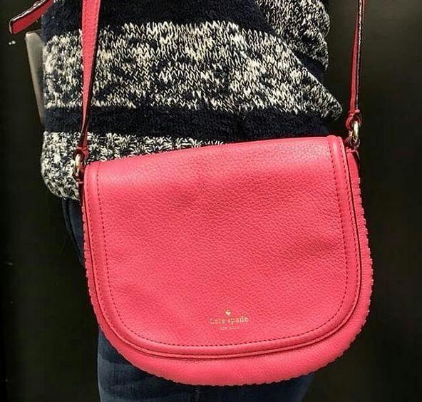 Pretty in pink 🎀 #katespade $75- Comment for holds 😊  #platoscloset #platosclosetcambridge #stylesforall #accessories #gentlyused #brandnamesforless #brandsforless | www.platosclosetcamebridge.com