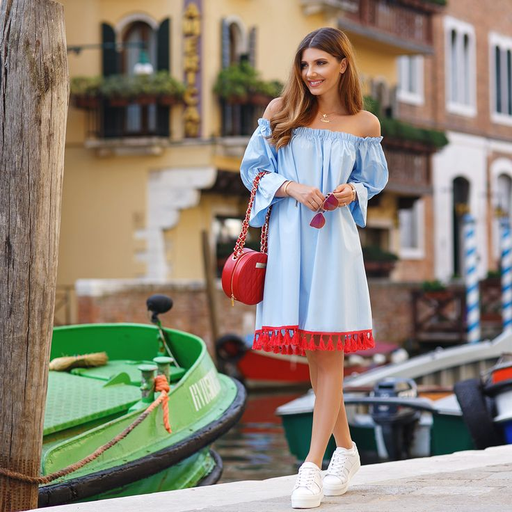 Ponte dell' Accademia in ablue @chicwish dress and @kurtgeiger white sneakers on my blog: http://themysteriousgirl.ro/2016/09/ponte-dellaccademia/