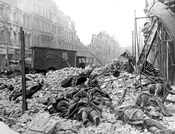 Berlin Germany 1945 Dead Germans Lying Amid The Ruins