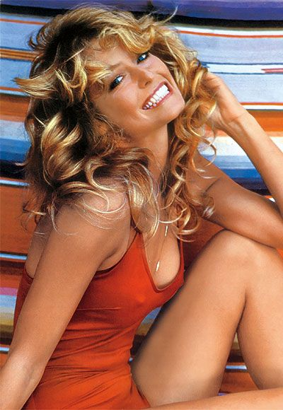 To promote her instant celebrity in Charlie's Angels, a Cleveland poster company arranged to shoot #FarrahFawcett in a swimsuit at her house in 1976. http://www.instyle.com/instyle/package/general/photos/0,,20396039_20397333_20797660,00.html