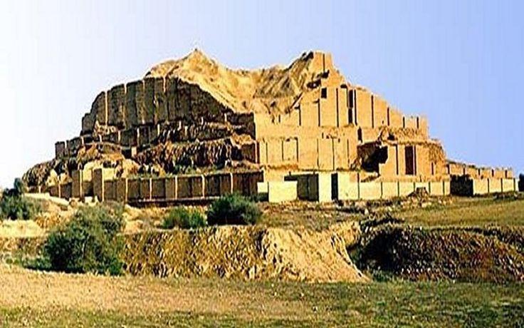 Elam'ın başkenti olan Shush şehri (Susa), İslam'ın gelişinden önce önemli ve gelişen bir şehirdi.  MS 1891'de Fransız arkeolojik misyonları tarafından başlatılan ve şimdiye kadar devam eden bilimsel kazılar, tarih öncesi medeniyetlerin kalıntılarını ve kalıntılarını aydınlatmaya açmıştır.