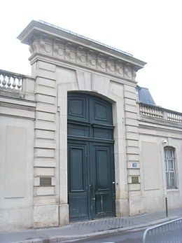 H tel de cassini 1768 32 rue de babylone paris 75007 for Claude vasconi architecte