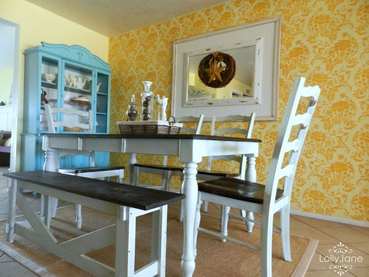 painting dining room table | always amazed how PAINT can change ANYTHING! (: