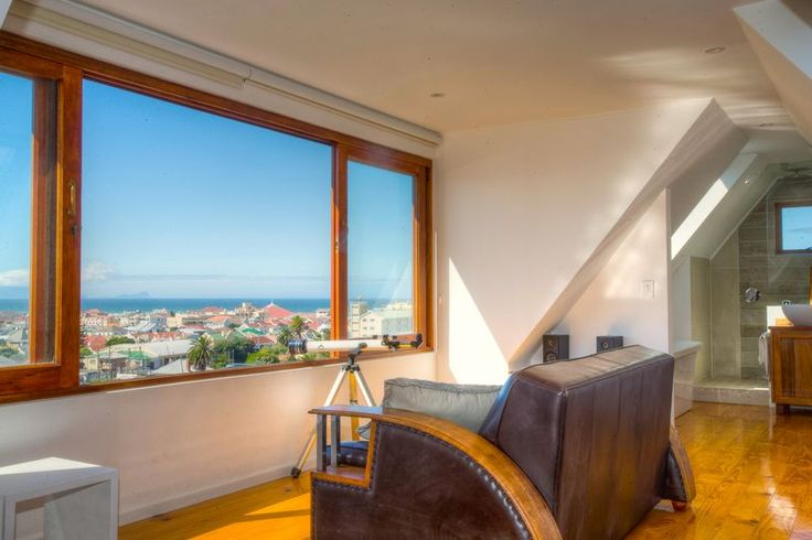 http://vacations.capetown/property/muizenberg-holiday-home/