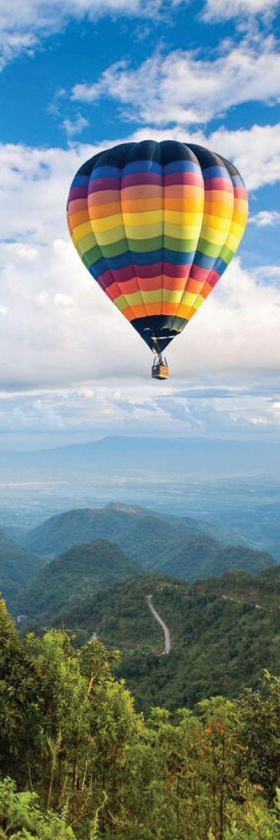 Å fly luftballong er noe de fleste drømmer om! Det gir en utrolig følelse av frihet å sveve over vakre Göteborg. Opplevelsen passer de fleste, litt spenning, men helt trygt.