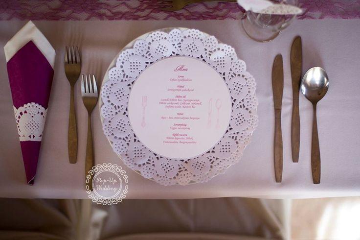 Tortacsipkével készült menükártya. #esküvőimenü #menükártya #esküvőidekoráció #weddingmenu info@popupwedding.hu, http://www.popupwedding.hu