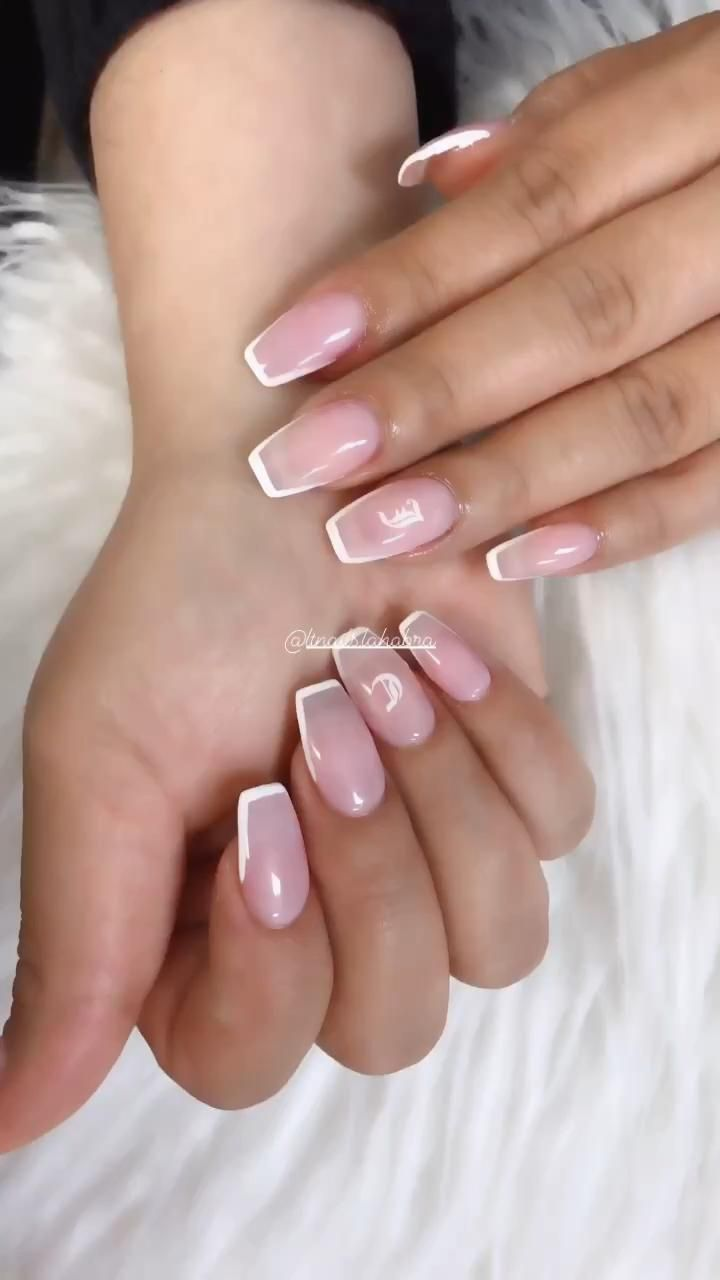 French Outlined In 2020 Gel Overlay Nails Pretty Acrylic Nails Fake Nails French