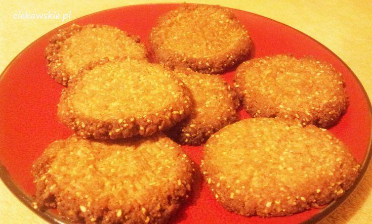 Jeśli szukacie przepisu na pyszne ciasteczka, a niekoniecznie macie czas na długie przygotowania, to przepis idealny :)Sprawdziłam, zmodyfikowałam i wyszło przepysznie.Zatem podaję przepis :)1, 5 szklanki mąki pełnoziarnistej ( ja wymieszałam ...