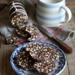 Salame di cioccolato con cacao amaro in polvere