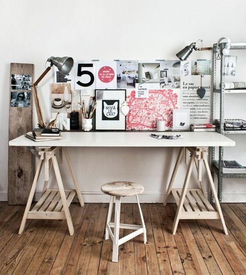 Nou laten we jullie natuurlijk graag de mooiste designs zien om je eigen home office mee in te richten, maar we begrijpen dat design niet altijd even bereikbaar is. Daarom geven we net zo graag leuke en handige tips hoe je op een voordeligere manier net zo'n mooi bureau kunt aanschaffen of zelfs zelf maken. […]