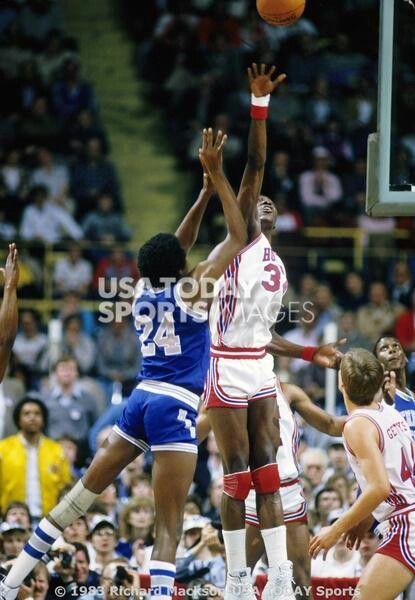 Keith Lee (Memphis State) and Akeem Olajuwon