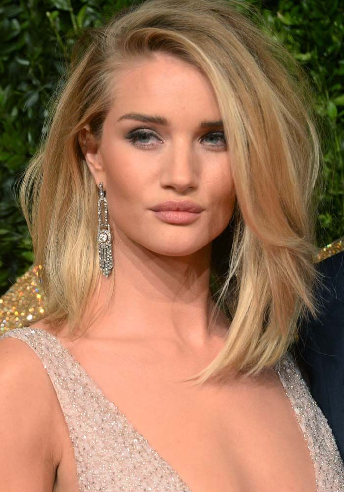 #longhairtips No Slip Here: Rosie Huntington-Whiteley Avoids Wardrobe Malfunction at the British Fashion Awards 2015 in Burberry