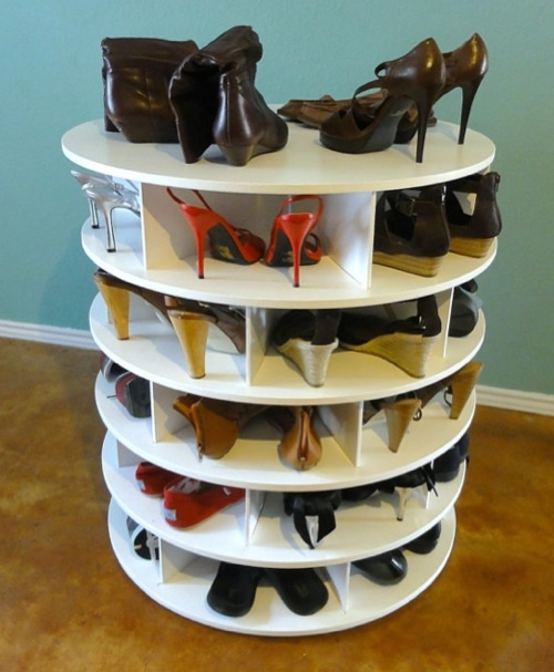 such a great idea!: Side Tables, Lazy Susan, Storage Idea, Lazy Shoes, Shoe Storage, Shoes Storage, Random Stuff, Shoes Racks, Shoes Carousels