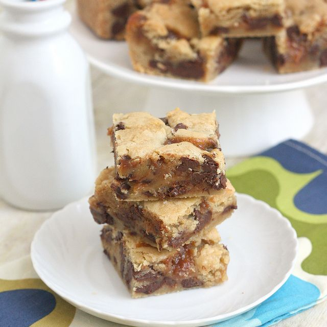 Salted Caramel Chocolate Chip Cookie BarsCookies Bar, Chocolate Chips, Chocolates Chips, Chips Cookies, Cookie Bars, Salts Caramel, Caramel Chocolates, Salted Caramel, Chocolate Chip Cookie