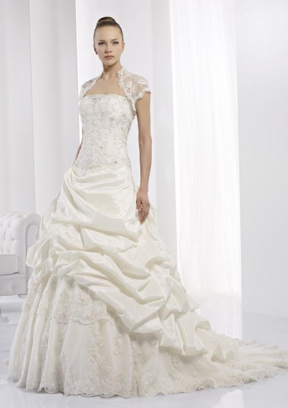 Collezione abiti da sposa #Jolies, abito da #sposa modello JOAB13419IV