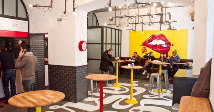 Az Október 6. utca 6-os száma alatt találjuk a Burger and Love-ot, ahol burgerünket hét lépésben rakhatjuk össze. Megválaszthatjuk a husi átsütöttségének mértékét...