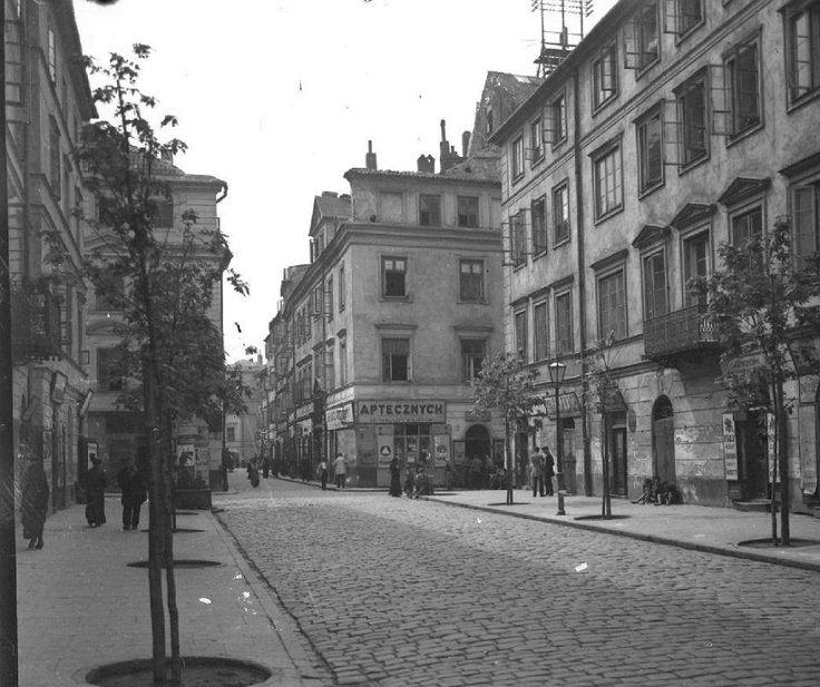 Piwna około 1915-1918.  Zbiór fotografii Zdzisława Marcinkowskiego , MBC. Archiwum Państwowe m.st. Warszawy.
