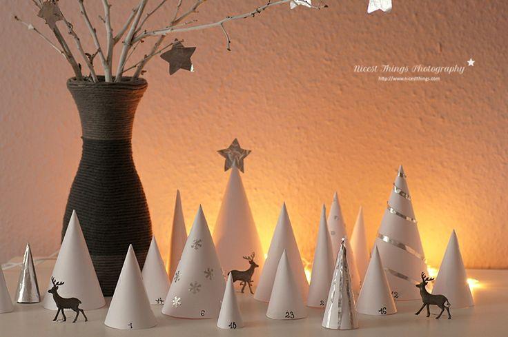 Meraviglioso calendario di bianchi pini!