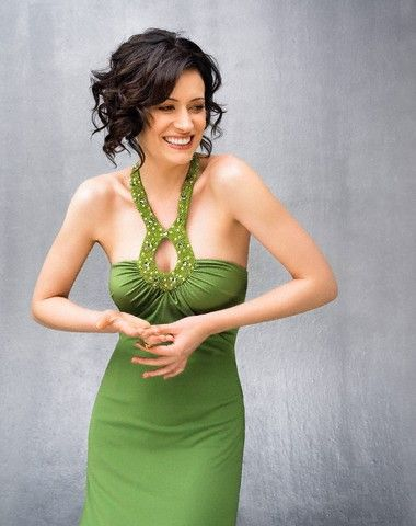 Paget Brewster...she's so beautiful....