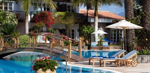 Enjoy the warm weather and sun yourself in 5* deluxe luxury at the Seaside Grand Hotel Residencia, Maspalomas, Classic Collection Holidays
