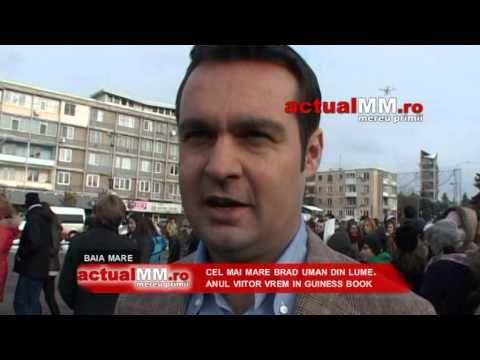 Największa choinka z ludzi ⋆ BiuroRekordow.pl