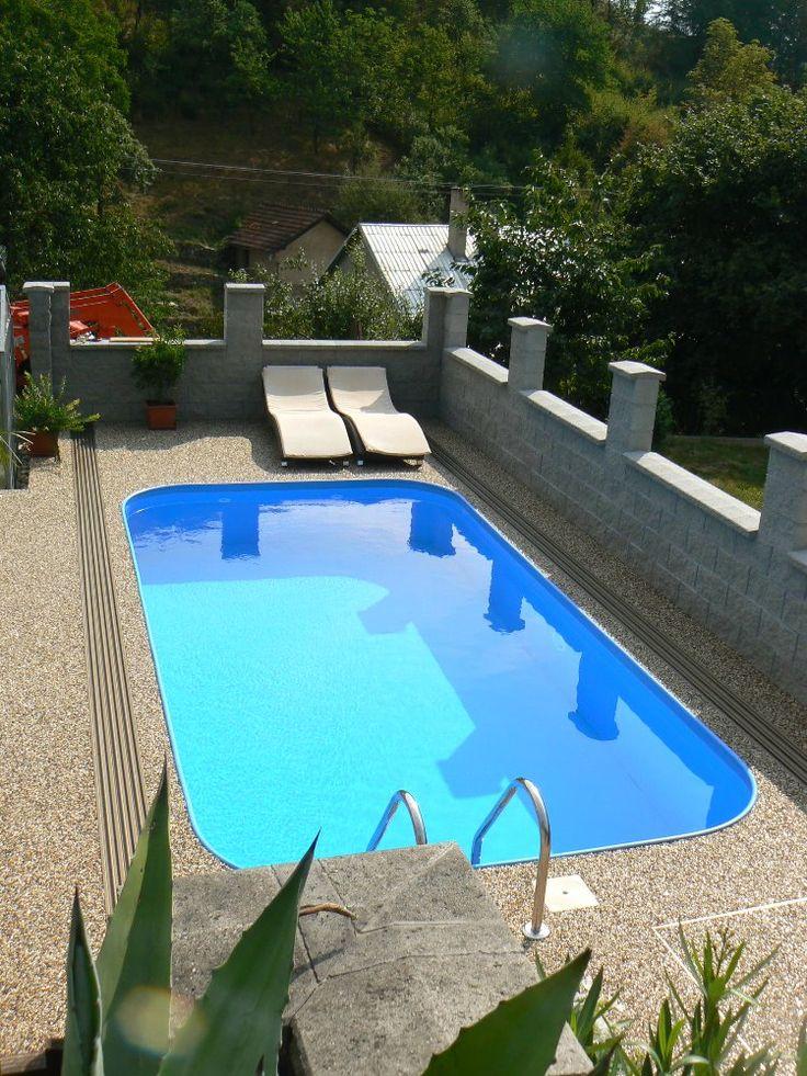 Plastový bazén s žebříkem