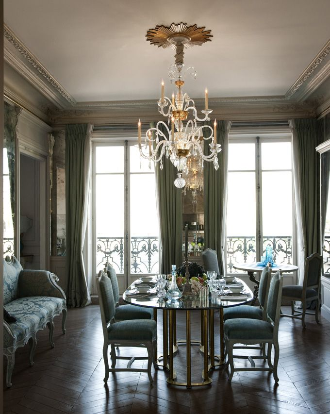 The Perrin Family Light Fills The Venetian Inspired Dining Room, Which  Features Mercury Glass Mirrors And French Chairs. Read More: Perrin Family  Apartment ...