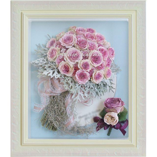 バラの#クラッチブーケ の保存加工を承りました♡ ダスティーミラーやエアプランツのシルバーリーフが入って、スモーキーで素敵な#カラードレス のブーケのお預かりでした  週末毎受付数限定で、丁寧にお作りしております✨ 花材がお決まりになりましたら、お早めにお申込みくださいね  http://www.fleurcouleur-d.com/ ✉sport20@paw.hi-ho.ne.jp お急ぎの方は直接お電話ください #フルールクルール TEL:082-961-3007  #ブーケ保存#ブーケ加工#アフターブーケ#メモリアルブーケ#