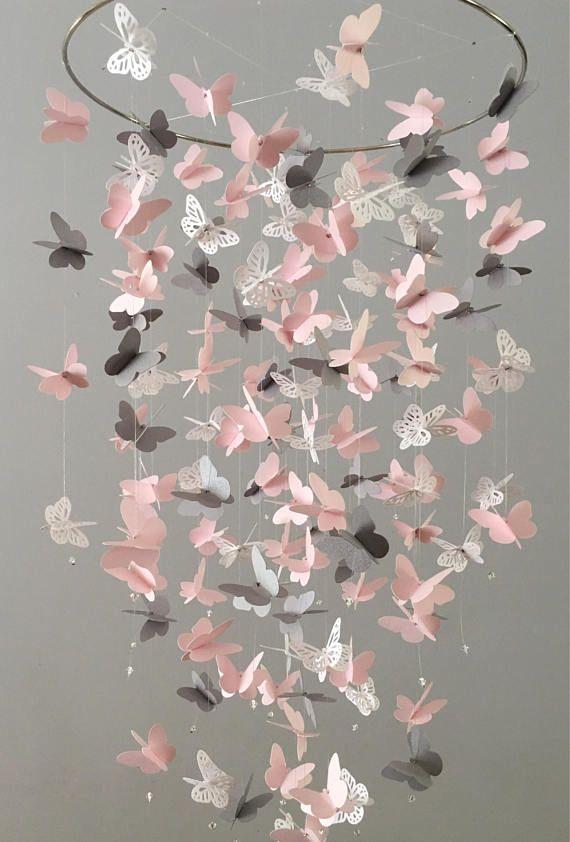 Butterfly Chandelier Mobile, in rosa, grau und weiß-meist soliden Schmetterlingen, Duschgeschenk, Kindergarten-Mobile, Baby-Mobile, Baby-Mobile