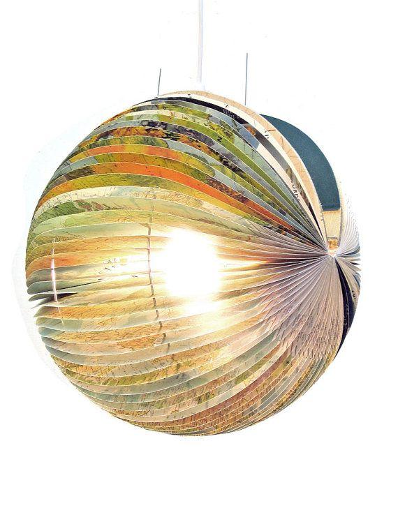 Globe Boeklamp  unieke handgemaakte lamp gemaakt door BomDesignNL