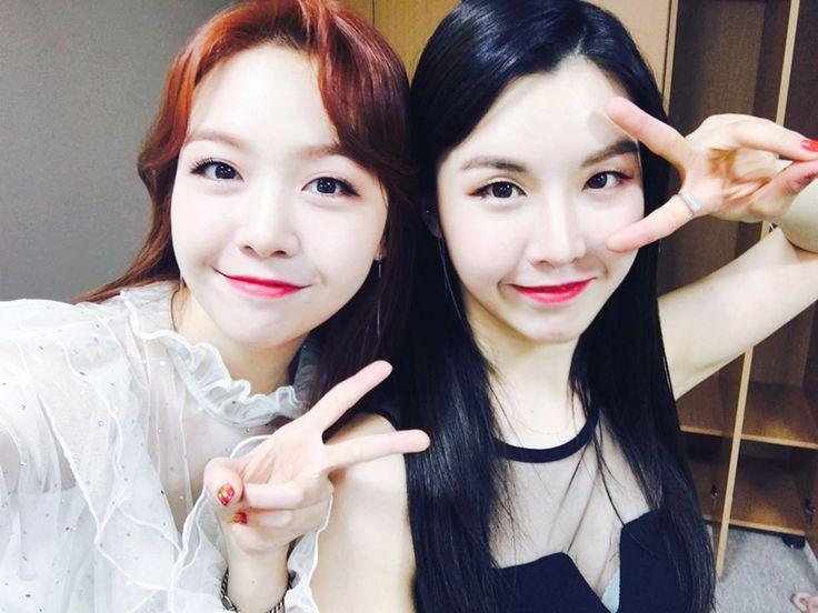 Sisters Girl's Day Minah & WANNA.B Hyunah
