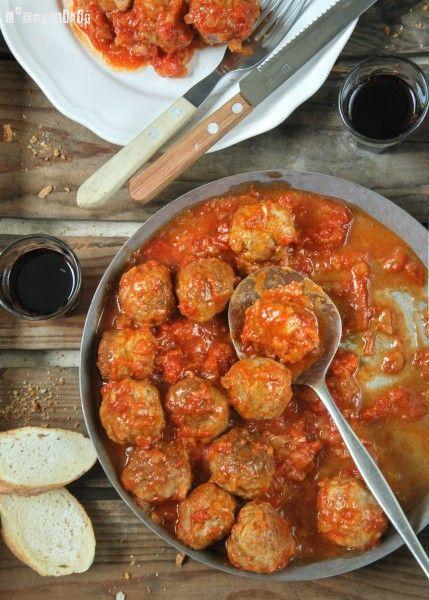 Albóndigas con almendras en salsa de tomate - L´Exquisit