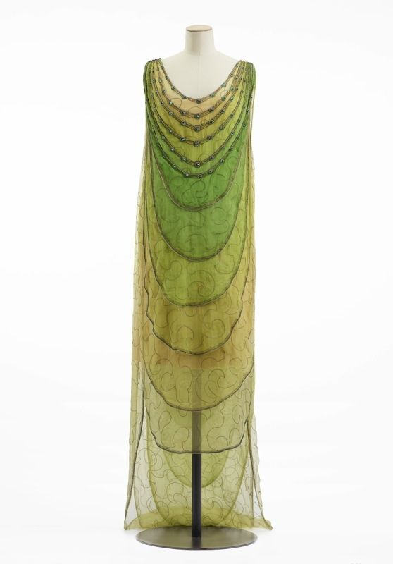 Vionnet, evening dress, 1922 The Musée Galliara