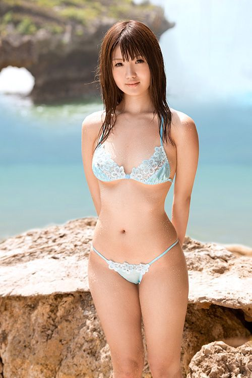Logically Lovely japanese model in black bikini