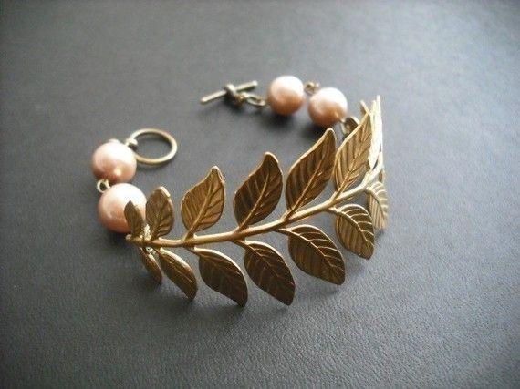 Leaf Bracelet: Leaf Bracelets, Bracelets Leaf Gold, Etsy, Gold Bracelets, Life Bracelets, Leaves, Jewelry Ideas, Raw Brass, Bags Accessories