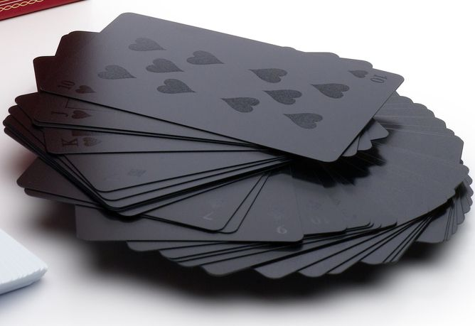 Great gift for men: monochromatic deck of cards