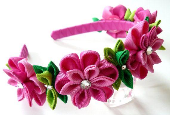 Pink Kanzashi Fabric Flower headband. Pink flower crown por JuLVa