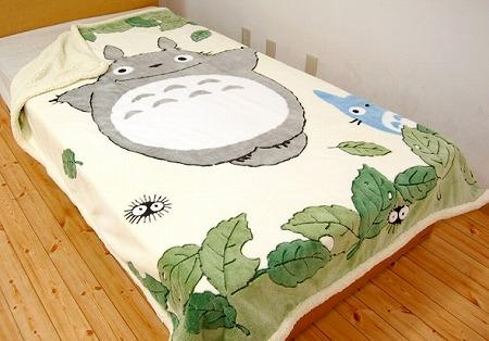 Totoro Blanket . . . I want this!
