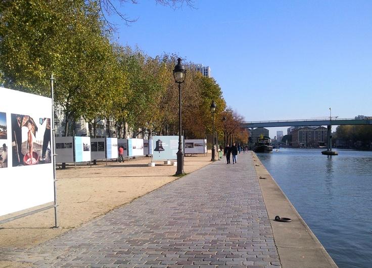 Exposition in the street : Water rivers & people. Bassin de la Villette, Paris. photo : isacolo