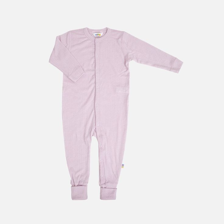 Soft 100% merino wool pyjamas/romper, with fold over feet if needed. In thin and soft merino wool. Sizes: 50 cm (newborn) to 100cm (2-3 years). The sizes refer