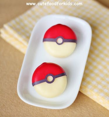 Looking for a fun and easy party appetizer or snack idea for boys? This Babybel Pokeball is what you are looking for! It's easy to make, it'...