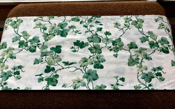 English Ivy Valance, Ivy Curtain, Ivy Topper, Vintage English Ivy, Green Curtains, English Ivy Toppers, Vintage Curtains, Vintage Valance by MyGrandmothersHouse on Etsy
