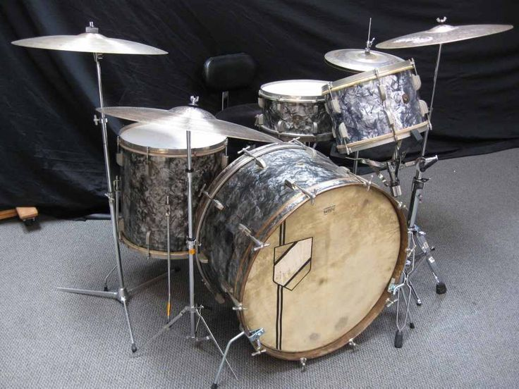 Leedy 1928 Black Diamond Pearl 14x26, 8x12, 16x16, 7x14 (shown with 13in tack bottom) (also avaliable 6.5x17 snare)