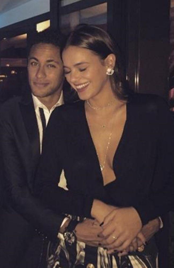 Neymar e Bruna Marquezine vão se casar! Veja... - https://pensabrasil.com/neymar-e-bruna-marquezine-vao-se-casar-veja/