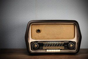 What You Need to Know Before Collecting Vintage Radios
