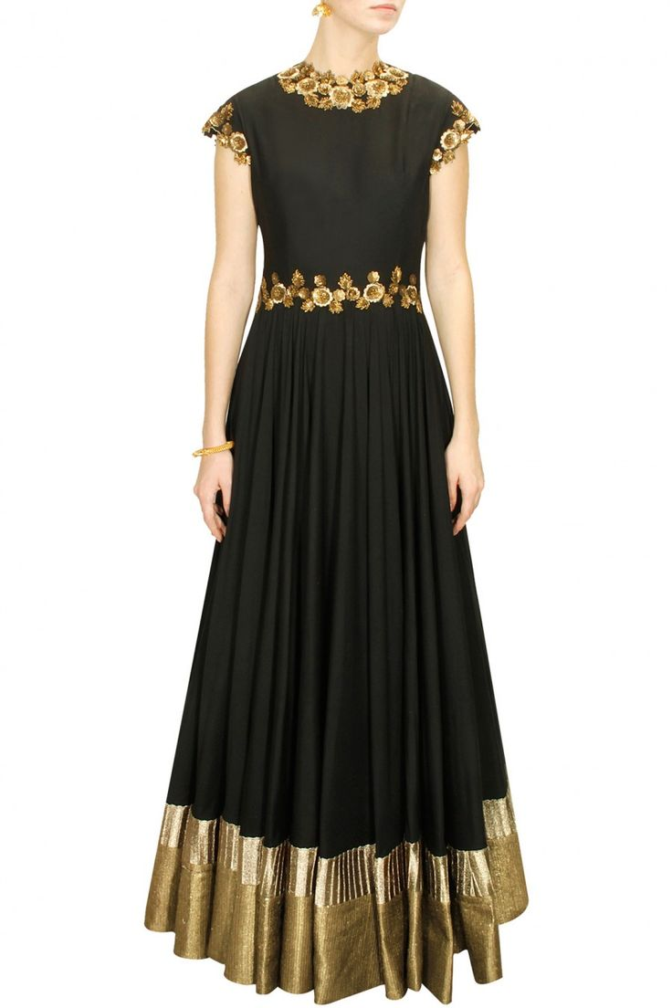 DECCAN DREAMS - Black metal flowers embellished long gown by Pranthi Reddy