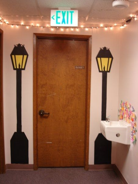 My sister created these lanterns for the end of the hall.