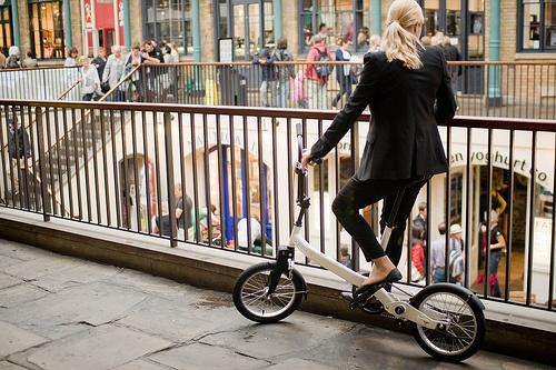 : Bike, Moving