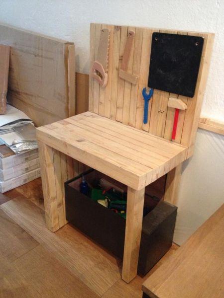 etabli pour jeunes menuisiers par tetart toy. Black Bedroom Furniture Sets. Home Design Ideas