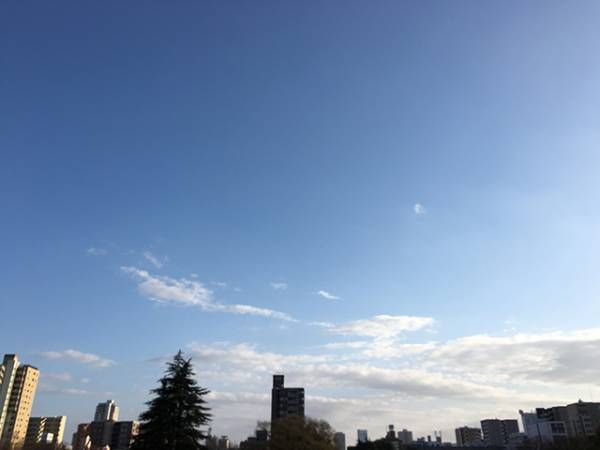 とっても簡単 Iphoneカメラで 空を青く撮るコツ 窪田千紘フォトスタイリングwebマガジン Klastyling 暮らす スタイリング Powered By ライブドアブログ 写真撮影のコツ 空 写真撮影